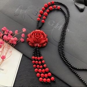 "Jewelry - 🌹NWT 3D Red Rose Cinnabar Beaded 32"" Necklace"